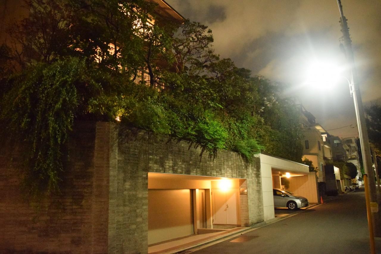 高級住宅 一軒家 夜